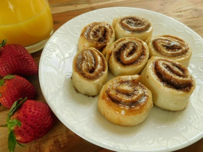 2-ingredient-dough-cinnamon-rolls-2