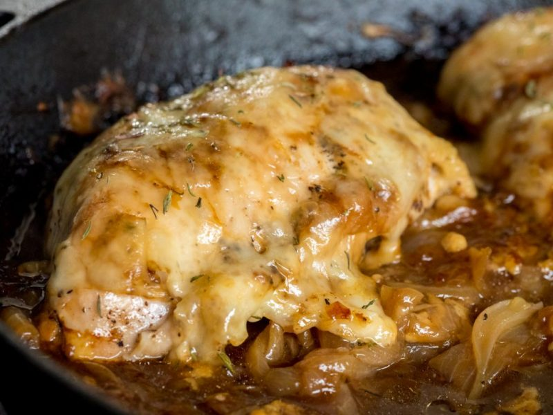 french_onion_chicken_skillet_horizontal_5-1024x768